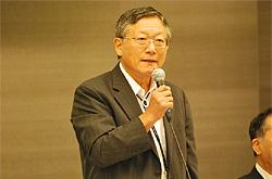 小泉会長 (首都大学東京都市環境学部特任教授)挨拶